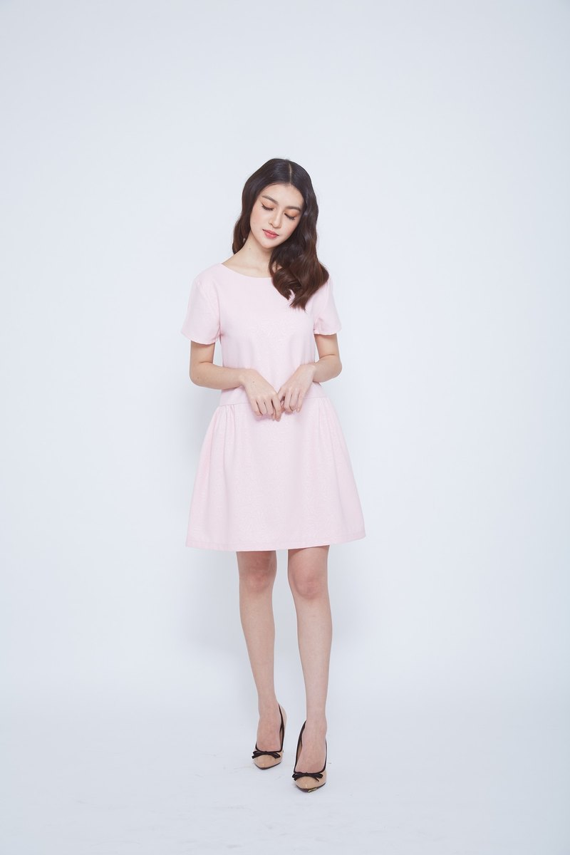 V Back Dolly dress (pink)