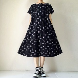 Small Flower Bouquet Flare One Piece Dress Cotton Black