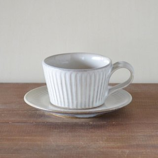 Straw-like ash glazing cup and saucer