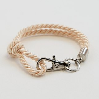 Silver clip bracelet in cream color