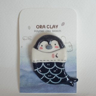 Penguin polymer clay brooch