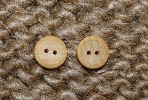 New Natural Birch Wood Handcrafted Round Small Wooden One Button 1.5 cm