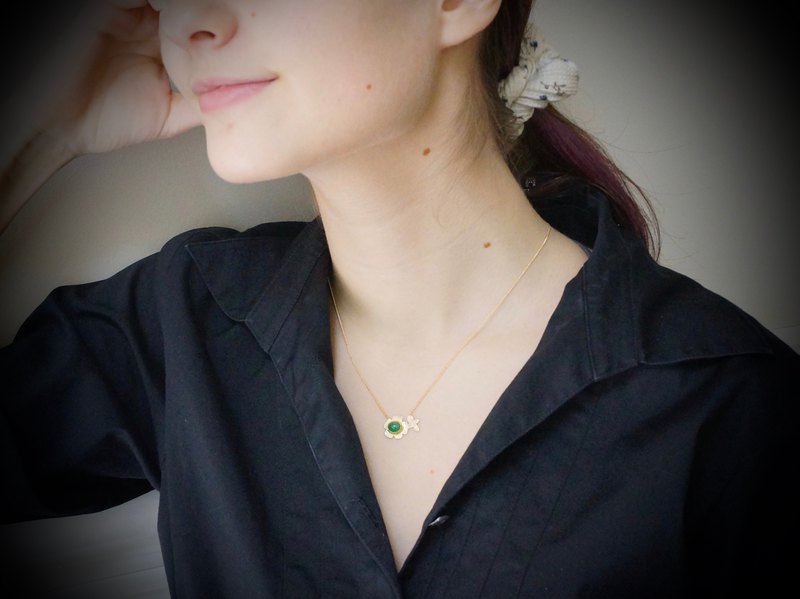 Emerald Flower Necklace 22K 14K