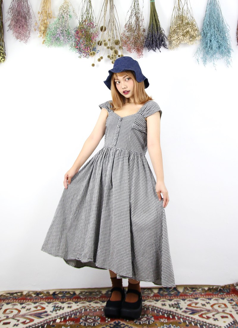 Back to Green:: 黑白格纹 小包肩 vintage dress (DS-09)
