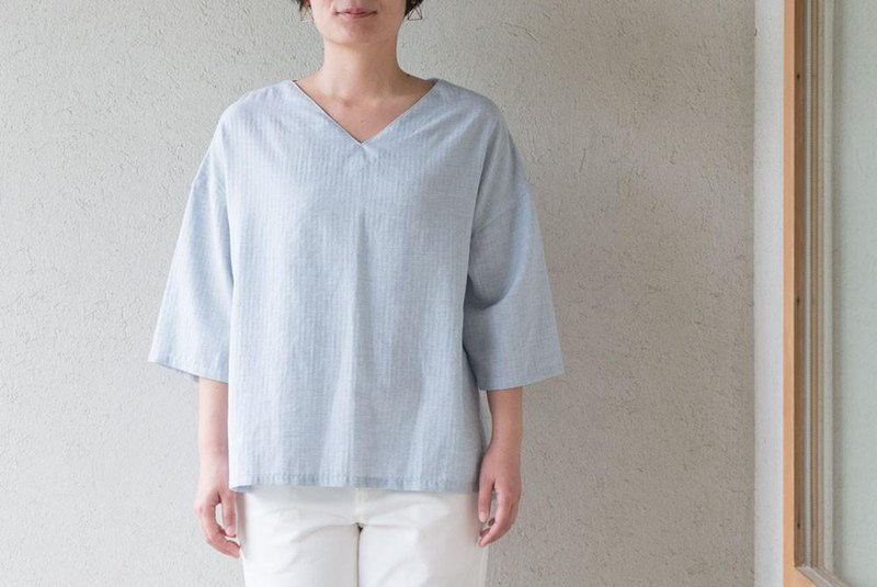 Organic Cotton lacquer collar loose loop pullover 7 minutes sleeve [thin herringbone fabric / light blue]