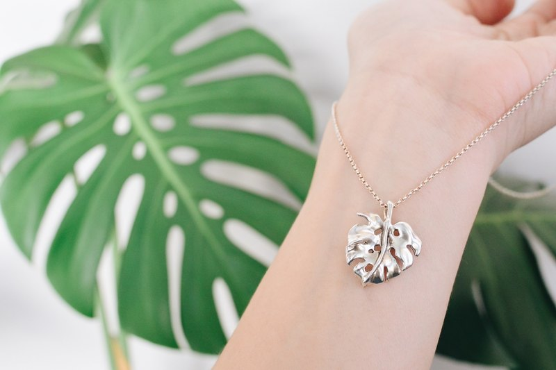龟背竹-纯银项链 Monstera-925 silver necklace