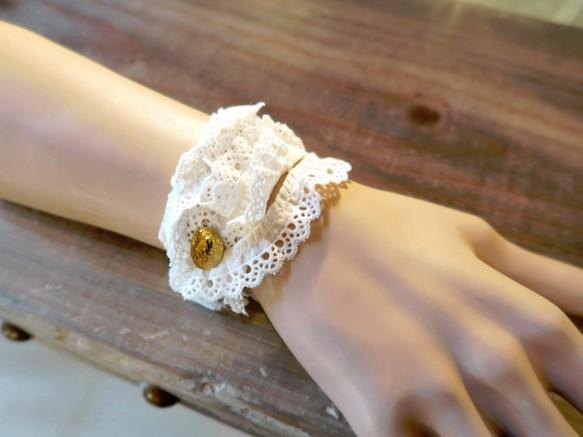 [Flower of the month] lace ribbon bracelet: Ivory B