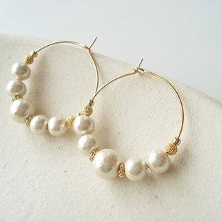 Cotton pearl and Metal Bead hoop earrings 穿孔耳環