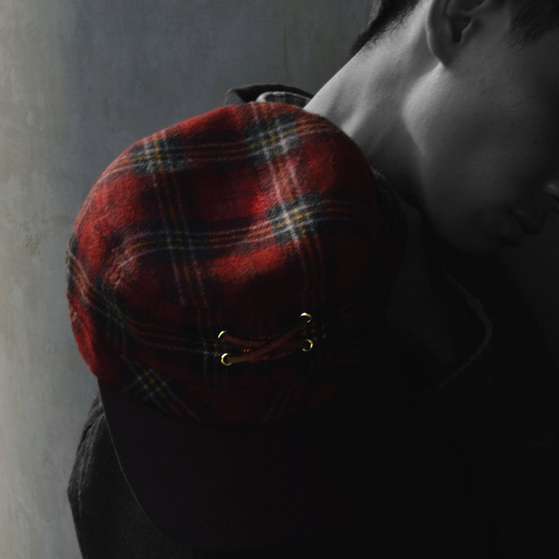 """Arnold"" red tartan worker cap with leather shoe lace"