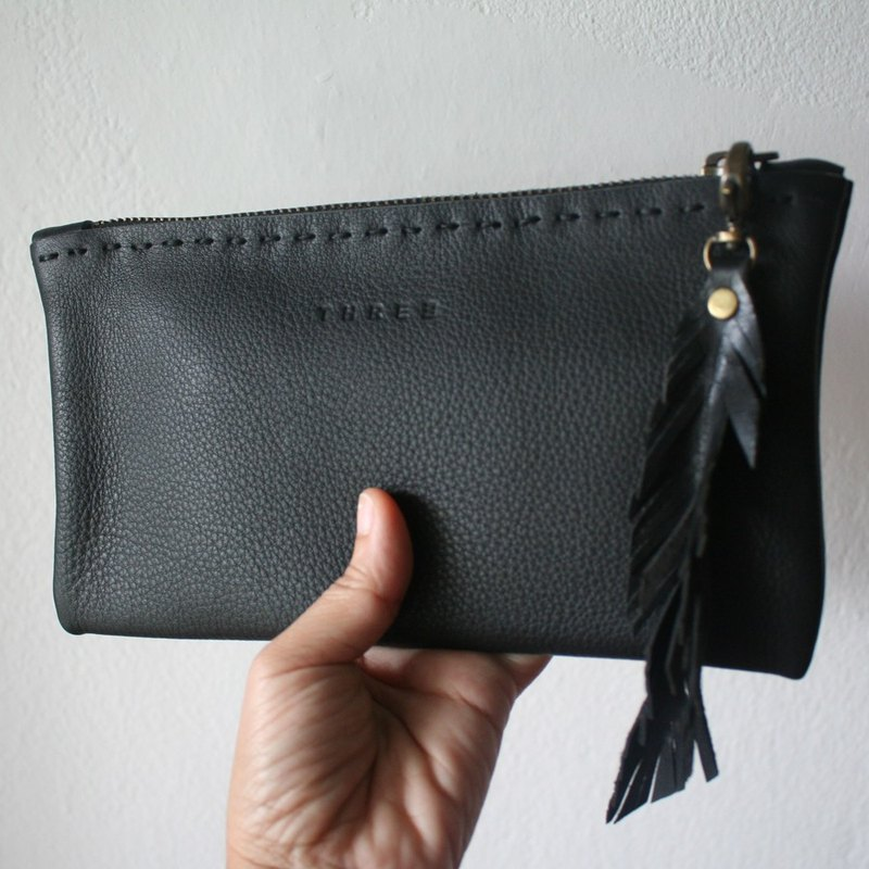 Leather bag with zip For the small / Cosmetic Bag / Leather Pen.