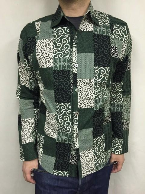 Long-sleeved patchwork tone arabesque shirt (green)