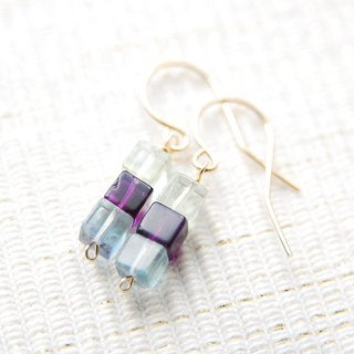 Cube type flow light earrings no.1 (14 kgf)