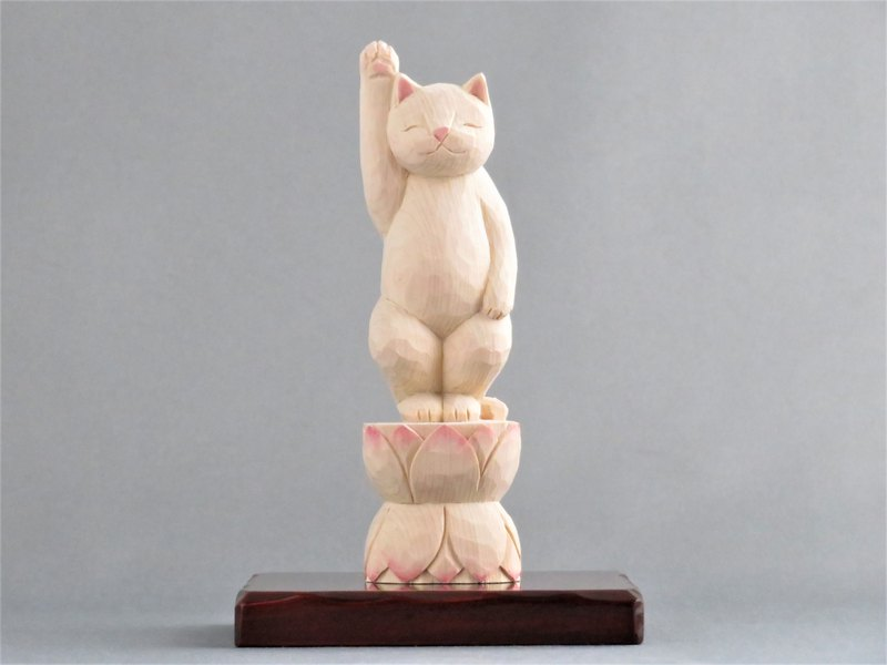 Wood carving cat 1811