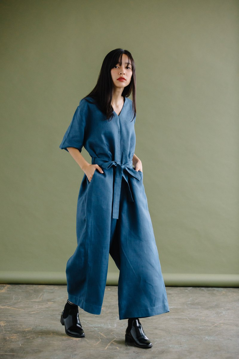 WIDE-LEG JUMPSUIT WITH V-NECK IN STEEL BLUE