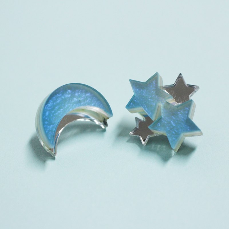 Moon and Star Earrings / Earrings