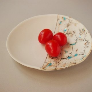 Porcelain feeling plate