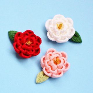 Camellia ring with leaves Pink