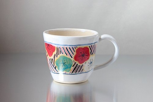 Plum and diagonal pattern mug