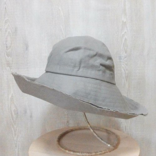 Wide Brim hat Even though casual feeling happy round calibration Perrine (brim wide hat) (PL1218LightBeige)