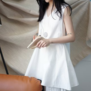 ee18/ White Cotton Sundress