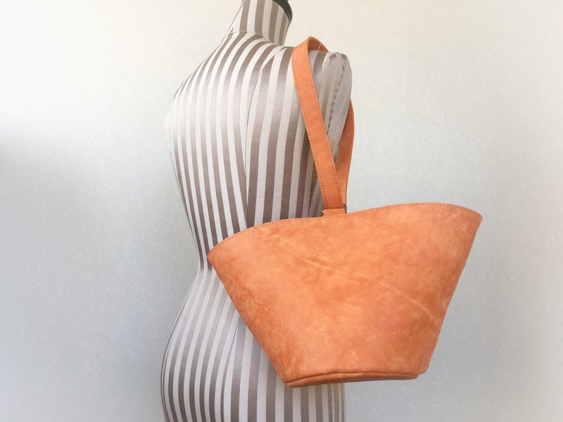 Italian leather 2 way handle circle tote bag macaron orange