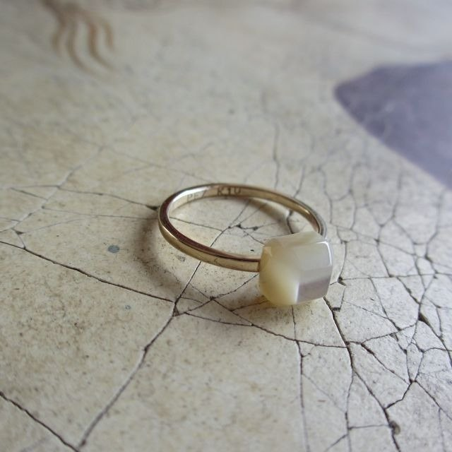 K10YG Shell Ring