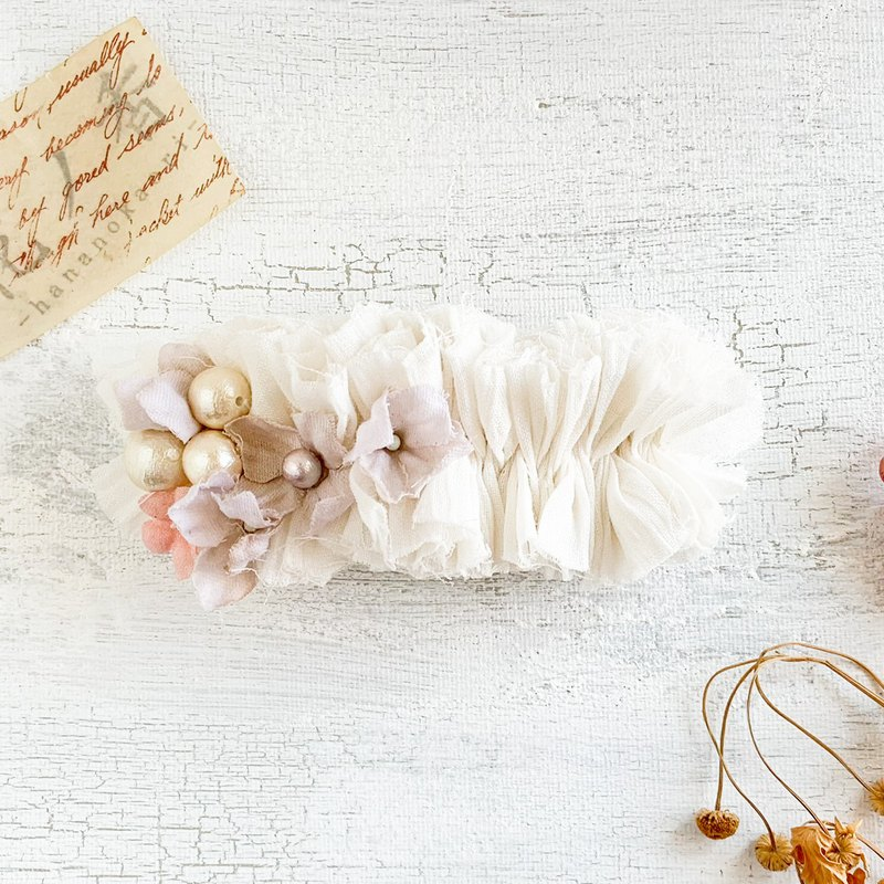 Hair accessory: Comb relaxation with linen and flower's valetta