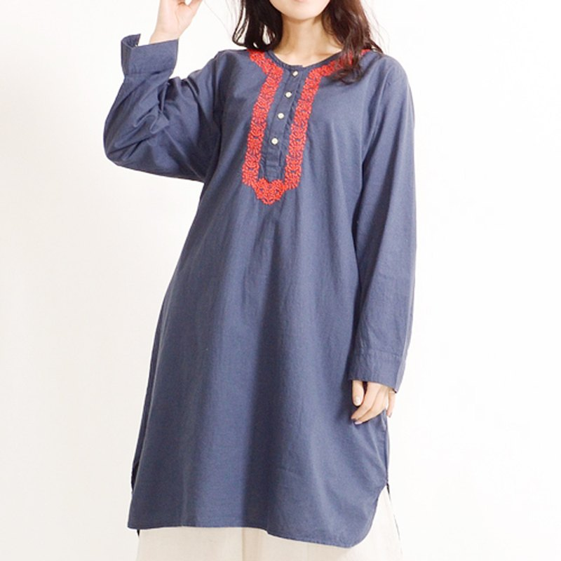 Chest embroidery henley neck tunic dress