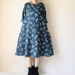 Stitch embroidery tone flower flare one piece dress double gauze