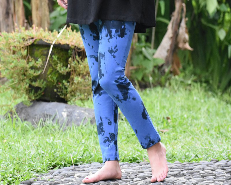 Surprising wearing comfort Skinny straight stretch long pants Uneven dyed blue black