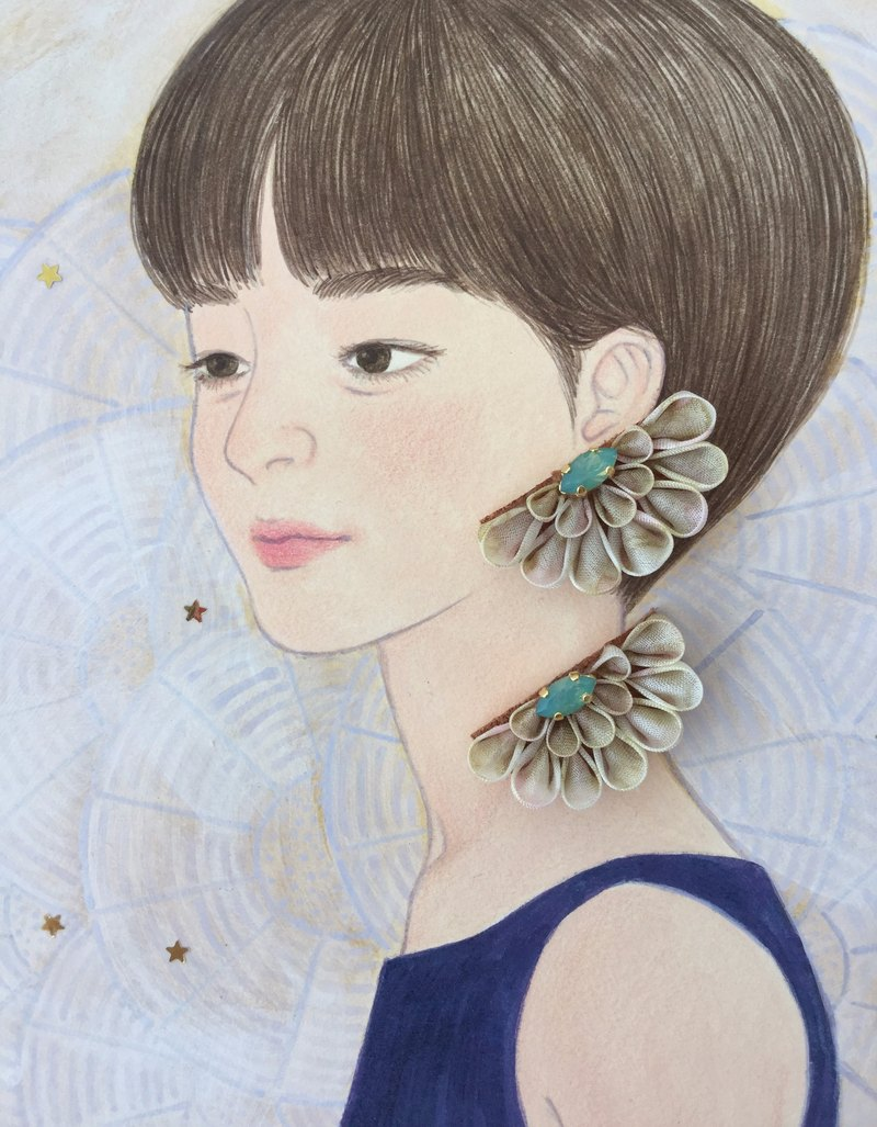 Semi Circle · Beige Flower Earrings swarovski 14Kgf