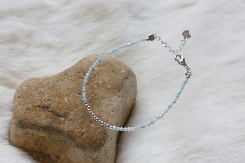 海蓝宝银手链 ( Aquamarine  Bracelet  with Linear Alloy )
