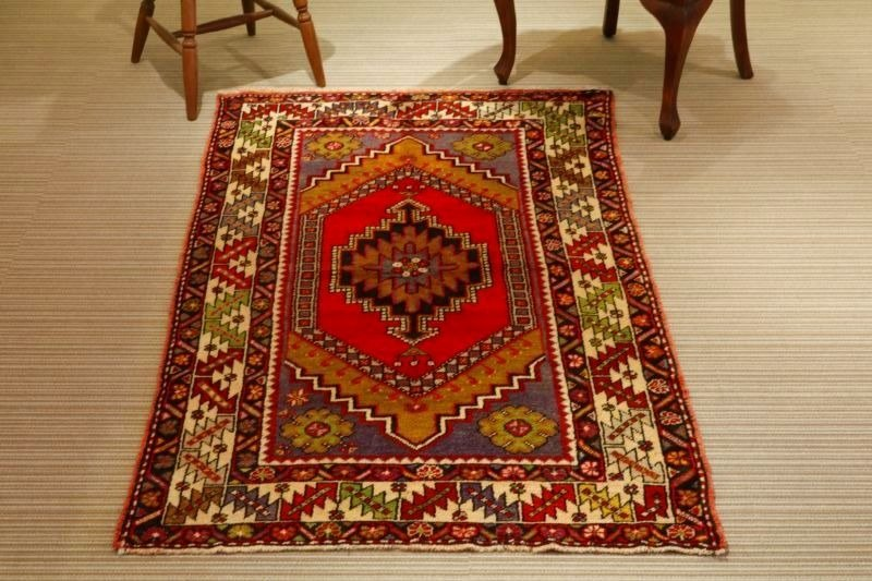 Hand woven carpet natural wool rug traditional design Turkish kilim 178 × 105cm