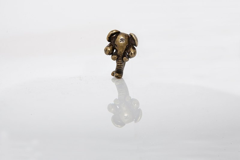 The Elephants Party Ring 象头环戒(合金)
