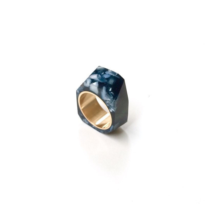 PRISM ring mother of pearl   black