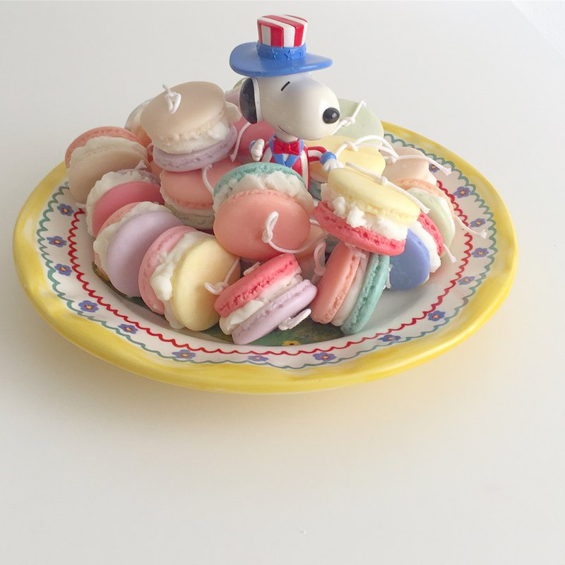 Pastel Macaroons Candle