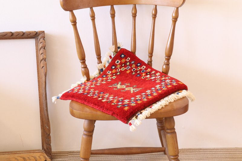Hand-woven carpet cushion size red hand-made wool plant dye dye 38 x 31 cm NEW design!