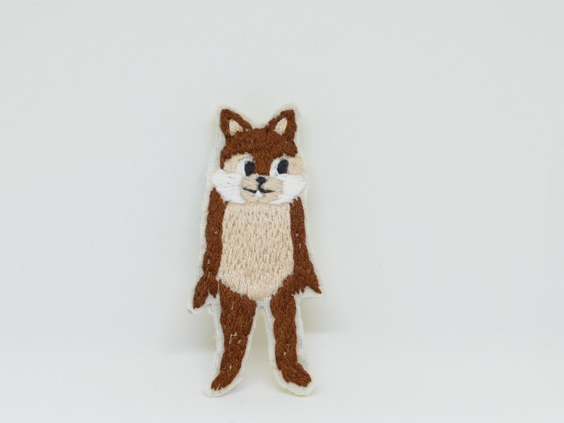 Embroidery brooch costume squirrel