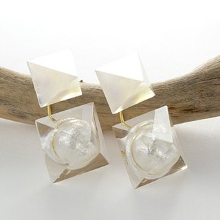 Pyramid lantern earrings (Snow Country)
