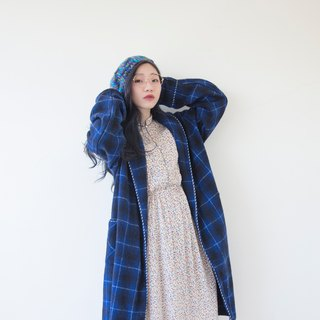 香蕉猫。Banana Cats 深蓝色格纹下领片睡袍大衣 sleeping coat / smoking jacket