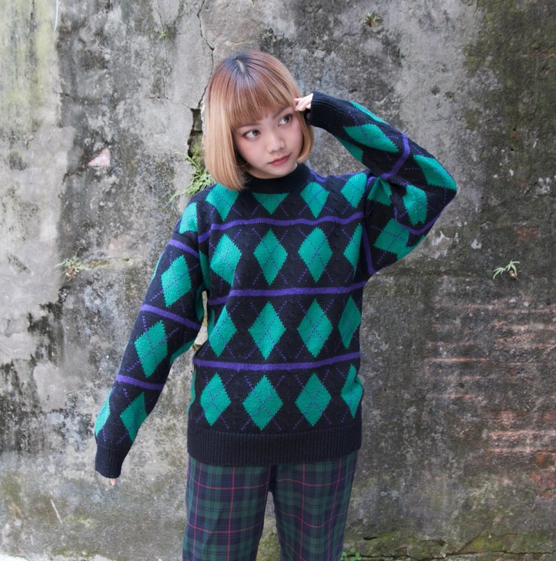 Back to Green:: 经典菱形 乖乖排列 vintage sweater (ST-24)