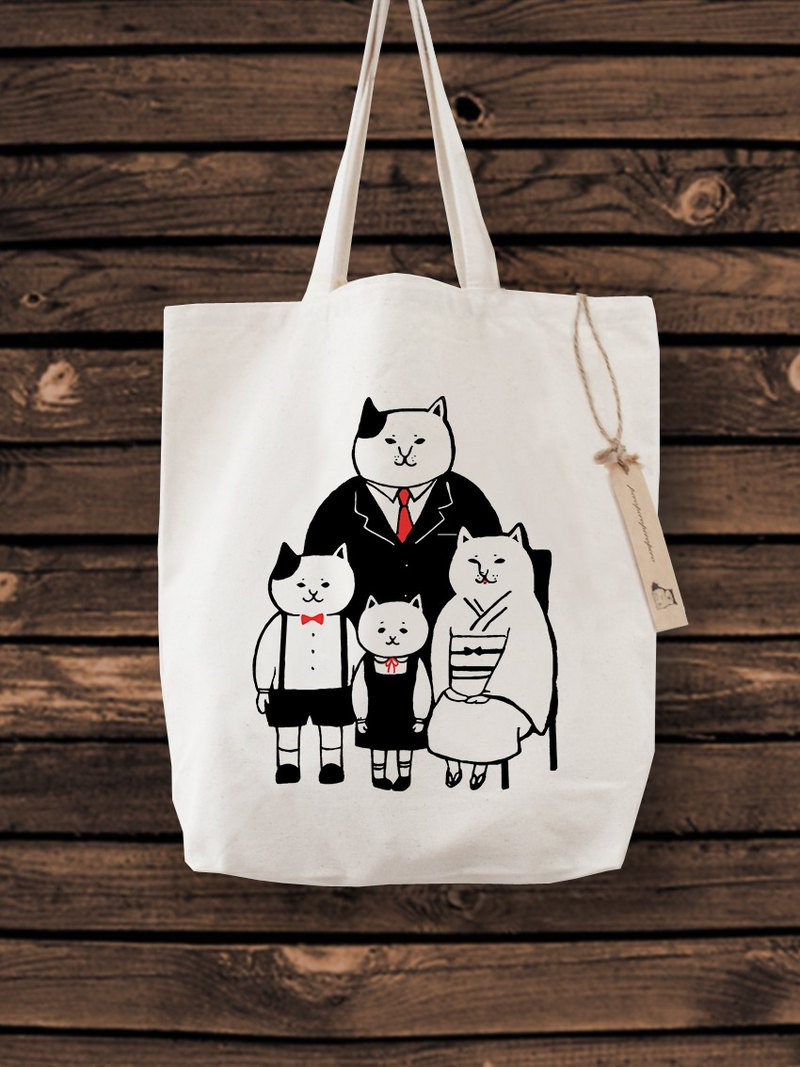 Cat Family Photo Tote Bag cat picture the whole family BAG
