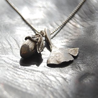 Acorn and ginkgo's leaf pendant [SILVER 950]