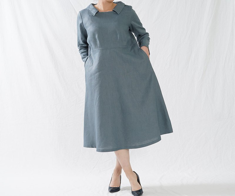 wafu Linen dress / long sleeve / square neck / midi length / bluegray a055a-ebn2