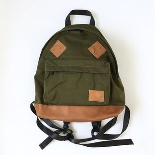 Classical backpack of Cordura and natural shrink leather [khaki]