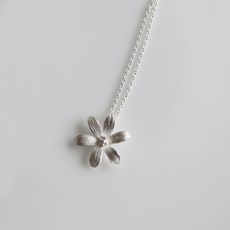 sv925 - 6 petal necklaces