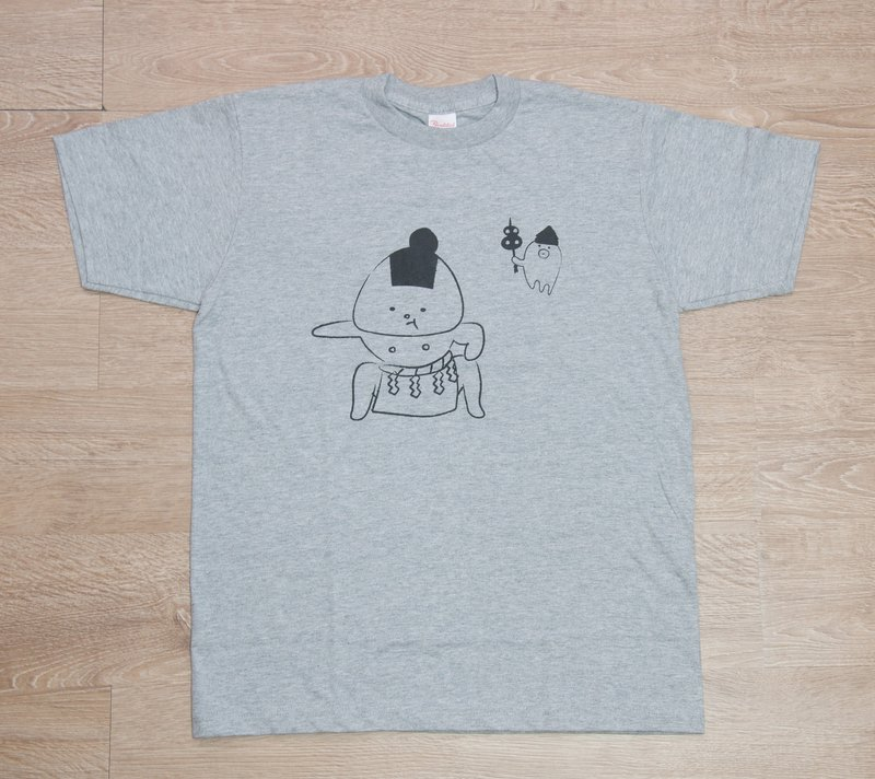 Rice ball T-shirt Dangerous ver. Gray _ ink (black)