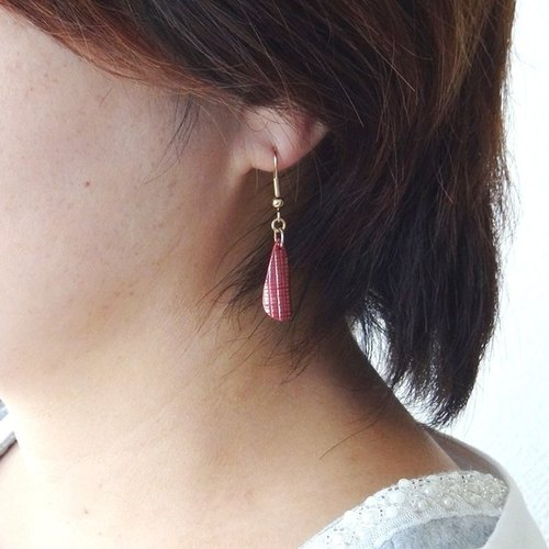 Lamp ~ AKARI ~ Lattice Pattern Semi-conical Scarlet Copper Earrings