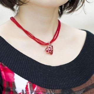 Red dots heart pendant