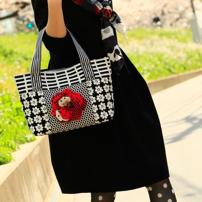 tote bag Location Hunting S Monochrome Red Corsage dots borders stripes